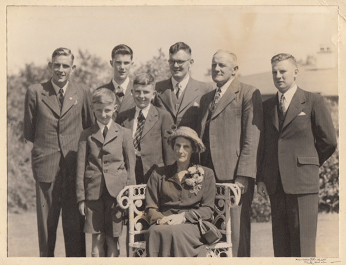 Silas Stedman with his wife Eleanor and their six sons. Back row from left: Bernard (Jack), Harold, Roger, Silas and Arthur. In front Geoffrey, David and Eleanor.