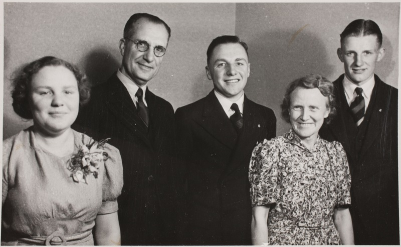Thomas Nuttall and family