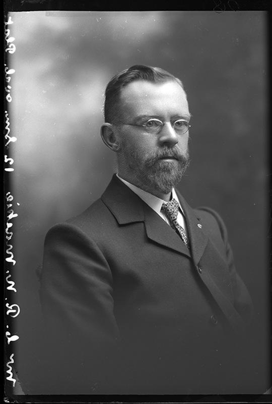 Mr C R N Mackie ca 1907
